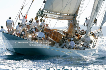 PHOTO © JEAN-MARIE LIOT MENTION OBLIGATOIRE LES 5 ET 6 OCTOBRE 2006 LES VOILES DE SAINT-TROPEZ A BORD DE CAMBRIA